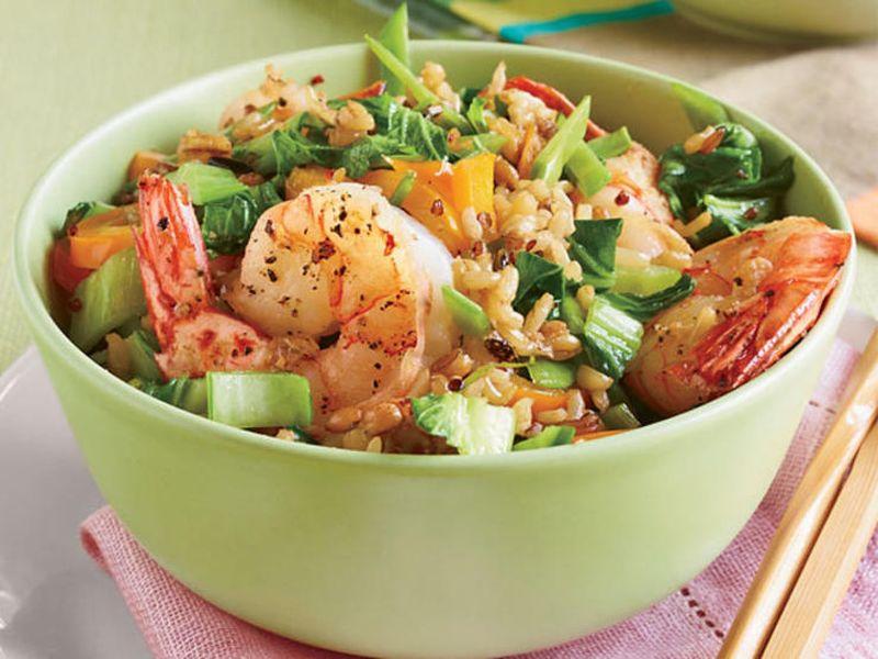 Салат з пекінської капусти та креветок