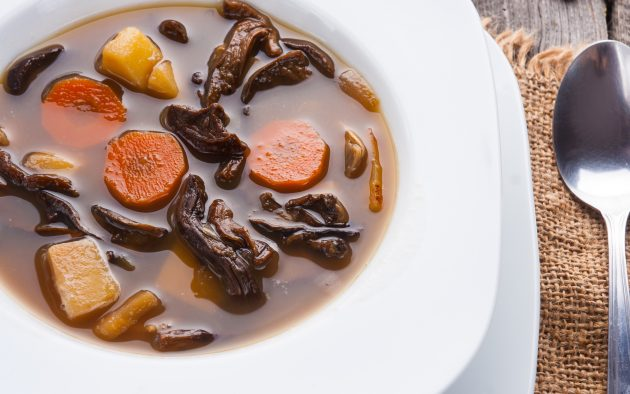 Суп з трьох видів грибів