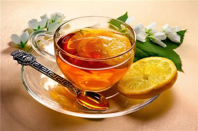Чай з медом та лимоном