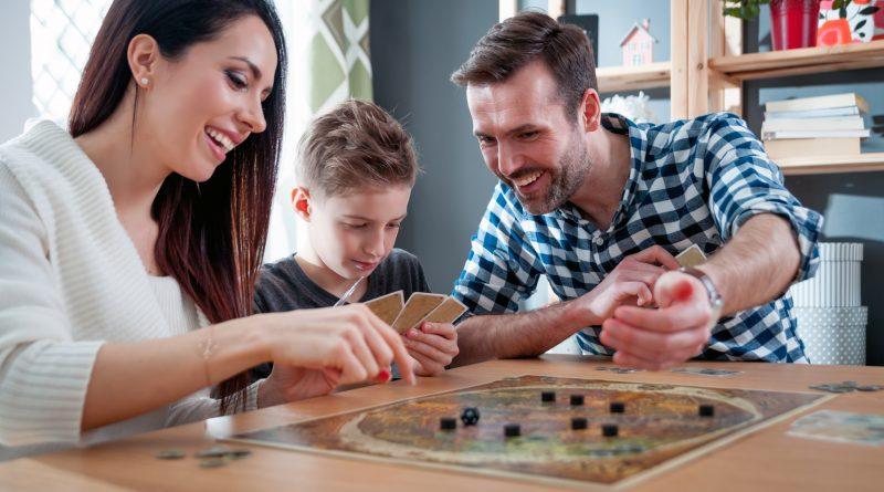 Настільні ігри з сім'єю